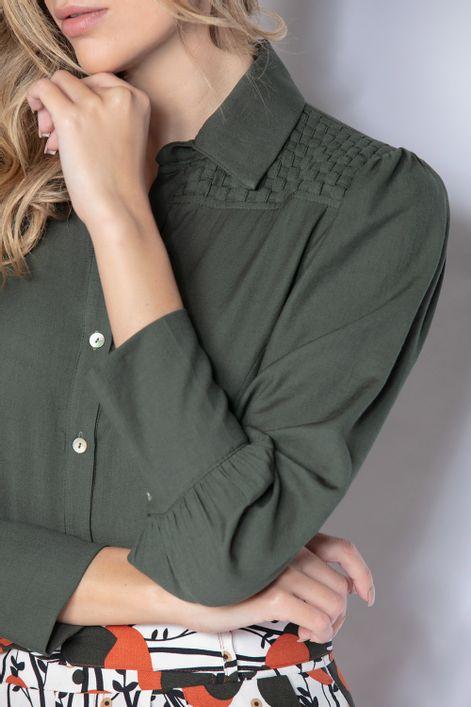Camisa-detalhe-trancado-ombros