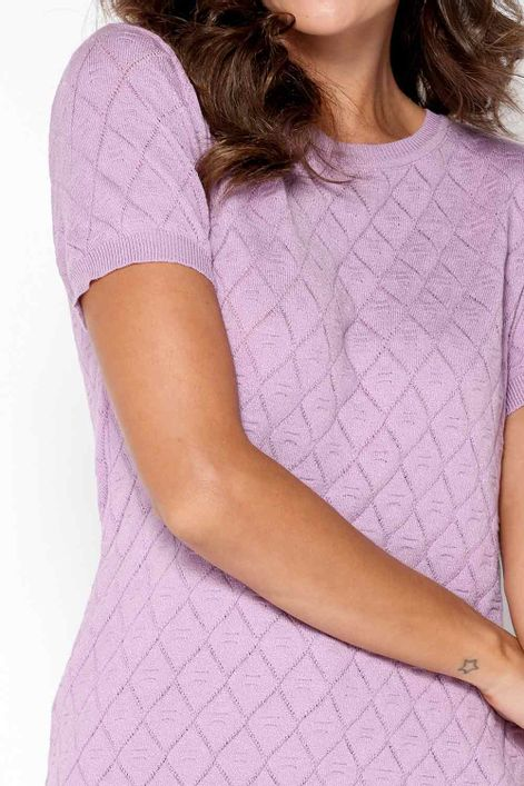 T-shirt-em-tricot-trabalhada