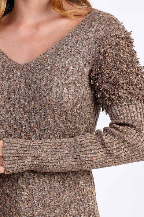 Blusa-em-tricot-detalhe-ombro