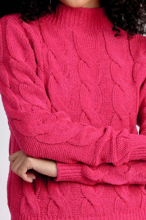 Blusa-em-tricot-mousse-com-trancas-
