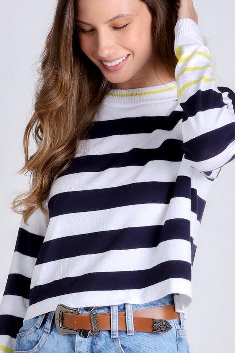 Blusa-cropped-em-tricot-listrada